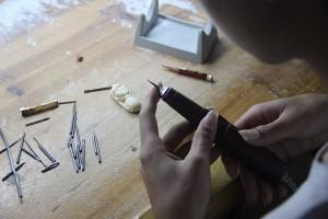 猛犸象牙雕刻工厂 (1)